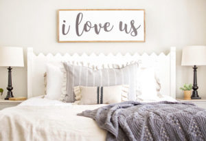 I love us farmhouse sign